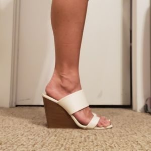 Off white wedge